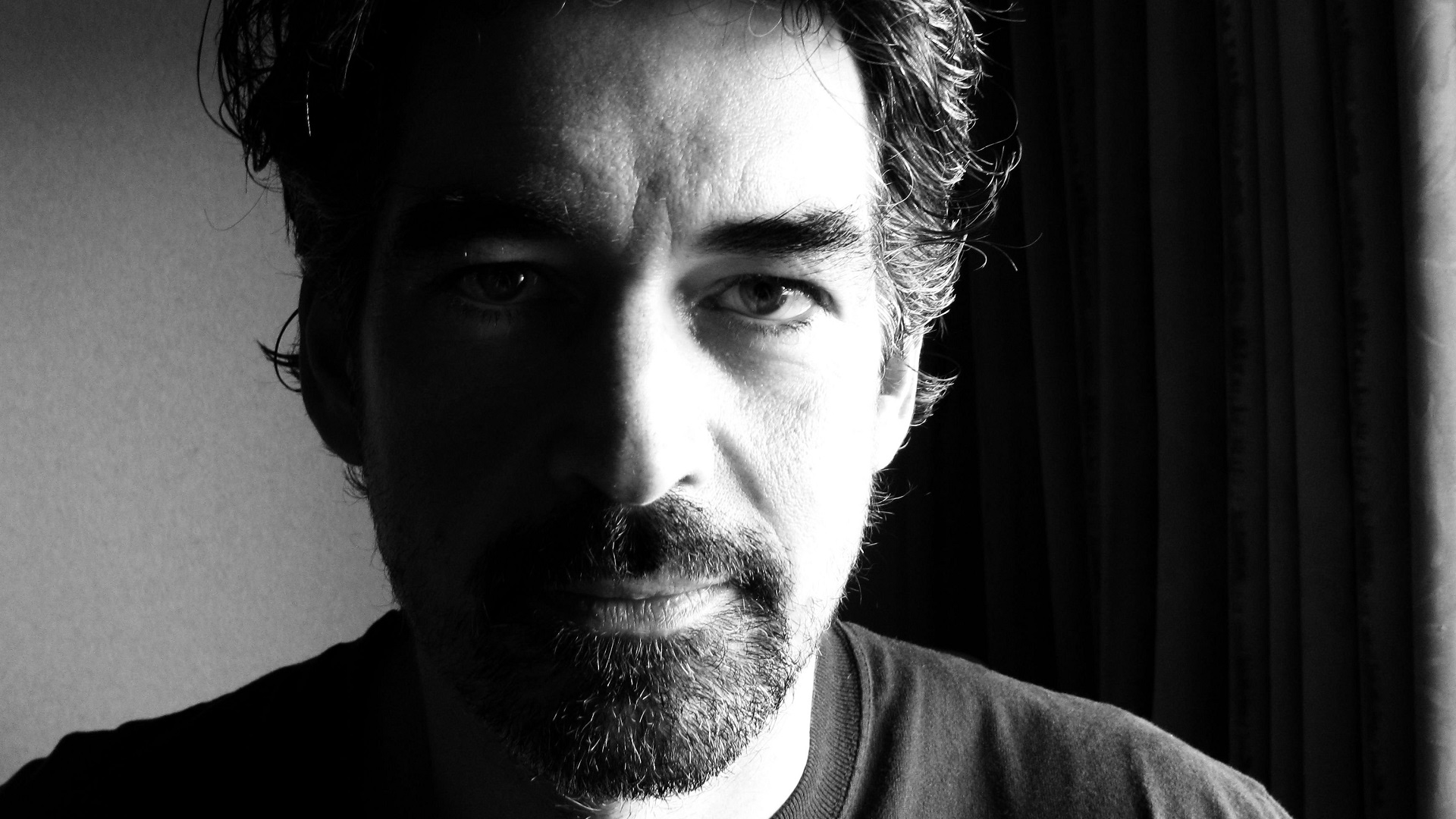 Slaid Cleaves is een singer-wsongwriter uit Maine. Hij woont in Austin, Texas.